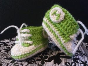 crochet-bebes-converse