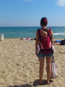 vacaciones-bebe-improvisar-playa