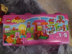 lego-caja-rosa