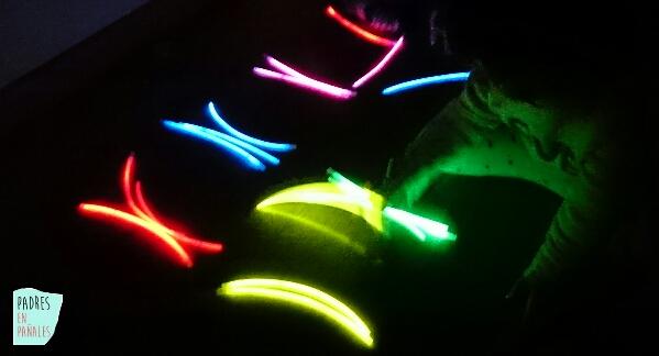 pulseras-luminosas-jugar-niños