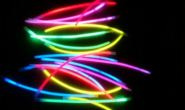 pulseras-luminosas-jugar-niños1