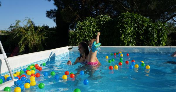 Piscina con ni os diversi n y precauci n padres en pa ales - Panales para piscina ...