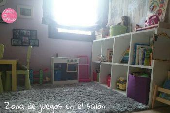 Zona de juegos para niños en el salón de casa