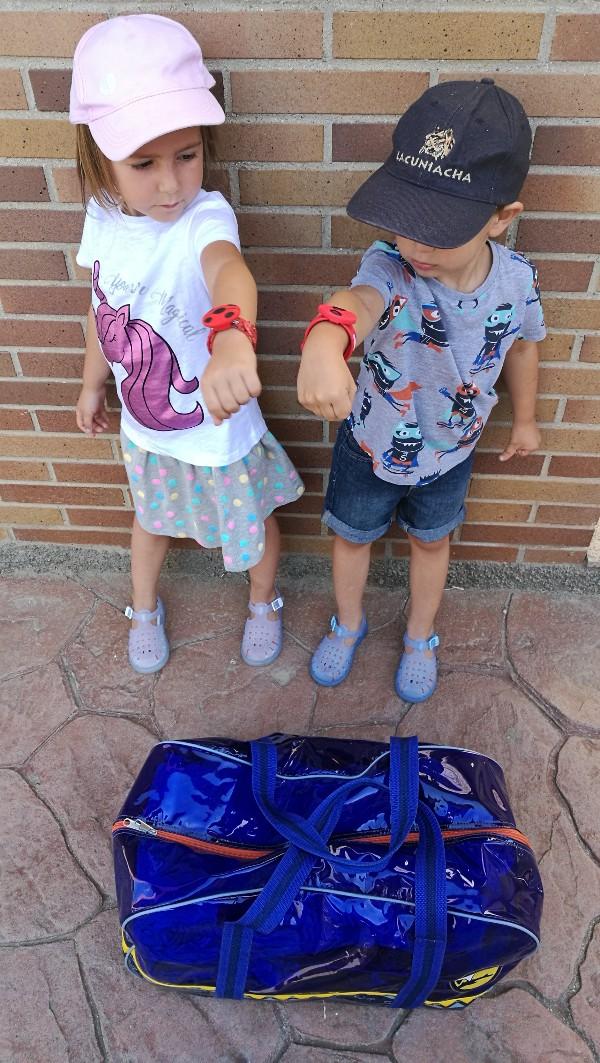Tardes De Piscina Con Niños 10 Cosas Que Tienes Que Llevar